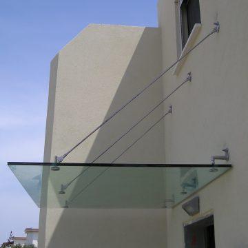 גגון זכוכית מרובע