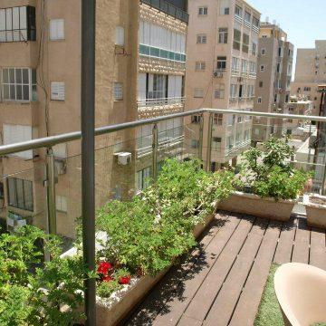 מעקה דגם קלאסיק במרפסת בית מלון המלך שלמה (2)