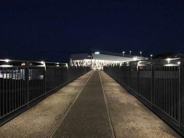 מעקה בטיחות אלומיניום או נירוסטה לד ספוט מרחב ציבורי גשר